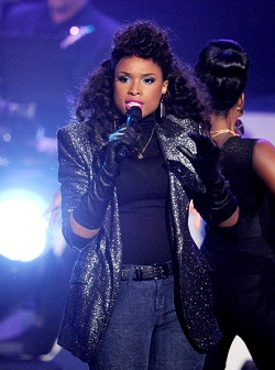 Jennifer Hudson lors de l'hommage à Whitney Houston tourné le 11 octobre à Los Angeles