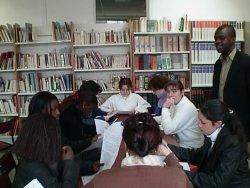 Patrick Fandio avec des étudiants
