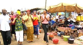 Visite dans un marché à Douala