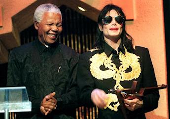 Michael Jackson en compagnie de Nelson Mandela